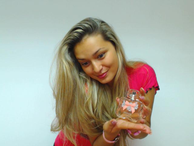 BongaCams model with perfume