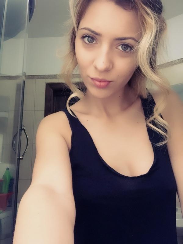 AshleyParadis