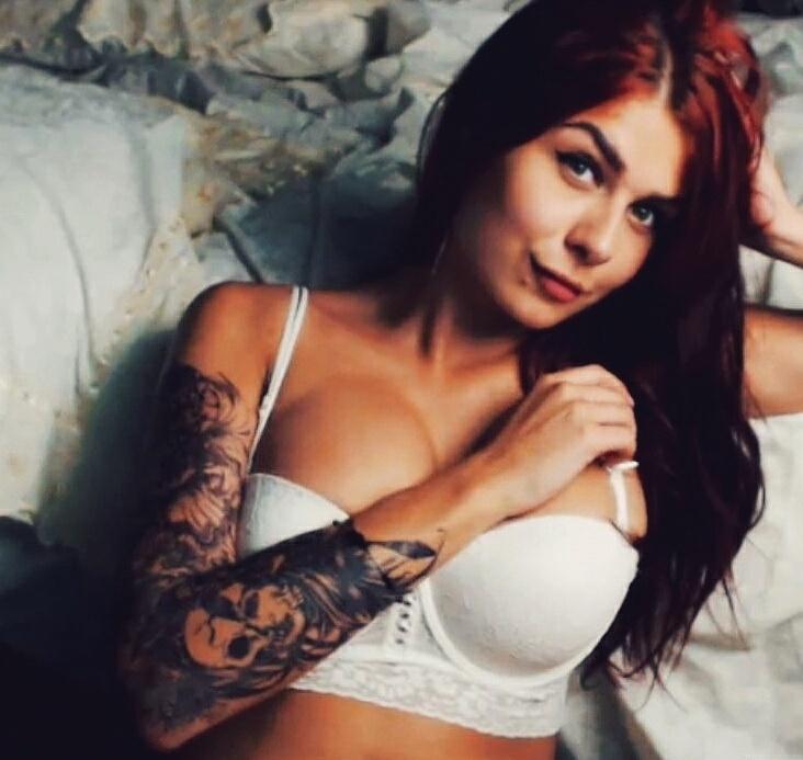 -Alicia-